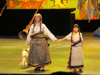 チベット民族ショー01